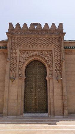 Mausoleum Mohammed V.: IMAG0344_large.jpg