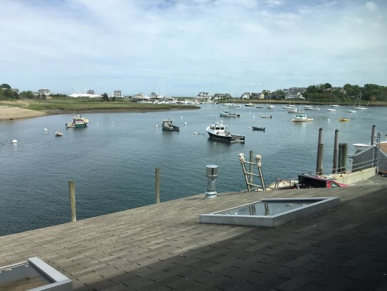 Scituate, MA: Delicious fish n chips, oysters, lobster everything and terrific views!
