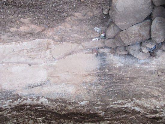 Teyateyaneng, Lesotho: Cave writing