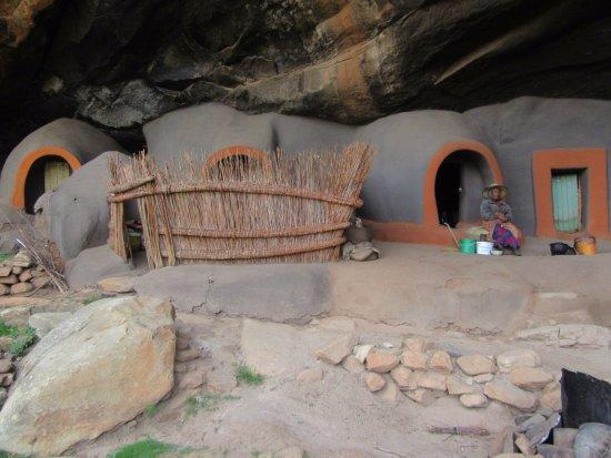 Teyateyaneng, Lesotho: Mud houses