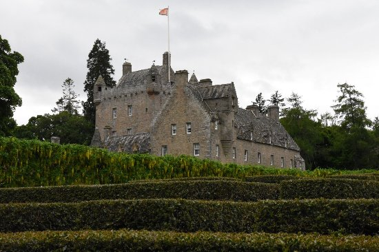 Nairn, UK: Castle viewed from the gardens