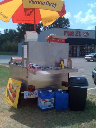 Philadelphia, MS: We Cater! We'll bring our cart to your location. Give us a call!