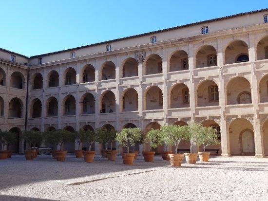 Musee d'Archeologie Mediterraneenne: la vieille Charité
