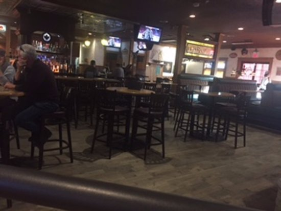 The Thirsty Lion Tavern: Bar scene