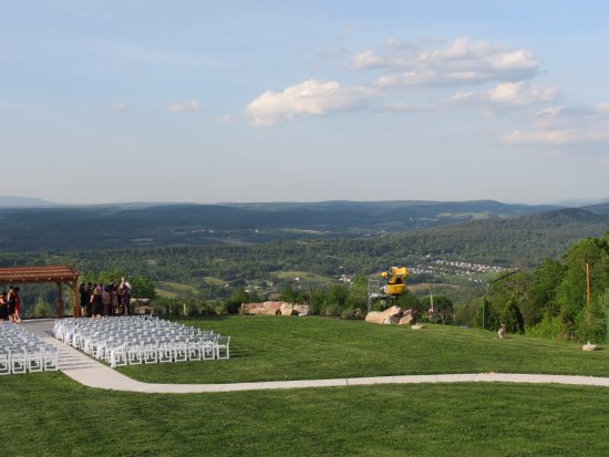 Palmerton, PA: cliff-top wedding sight, with a marvelous view