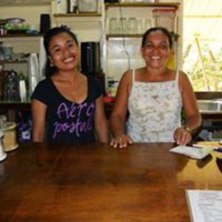 Above Grounds Coffee : Teresa and Sabina
