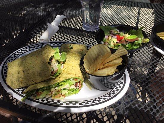 Trinidad, CO: Turkey, bacon, avocado wrap with side salad and chips. Delicious!