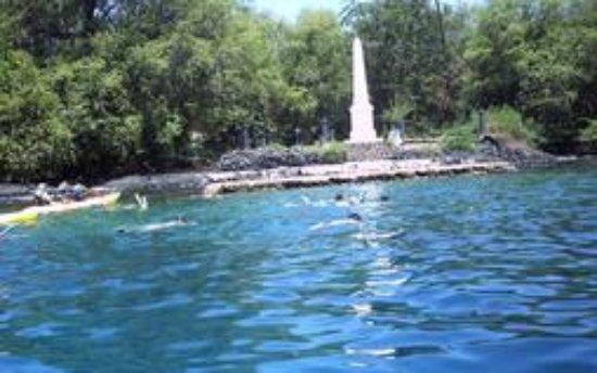 Kealakekua, HI: kayaking with Bay Side Adventures