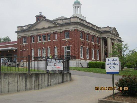 Marietta, OH: post office