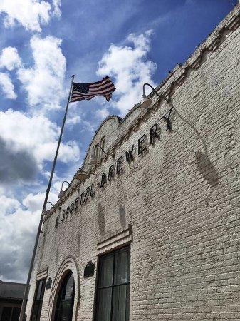 Shiner, TX: Ticket/Beer/Gift Shop entrance