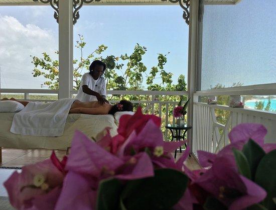 Cape Santa Maria Beach Resort & Villas: Massage on your Screened In PPatio