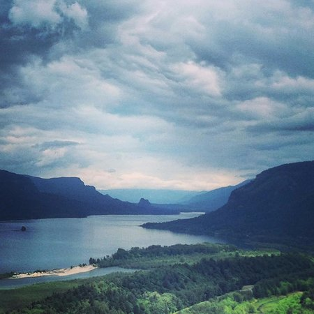 Columbia River Gorge: this photo was handy on mine phone but does NOT do it justice!
