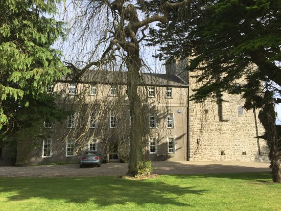 Friendly staff, beautiful grounds, immaculate rooms