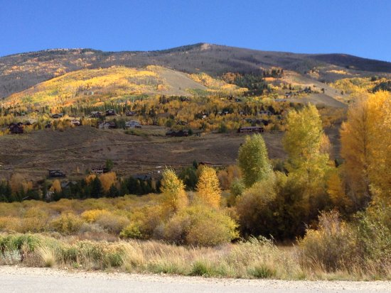 Silverthorne, CO: Blue River Trail