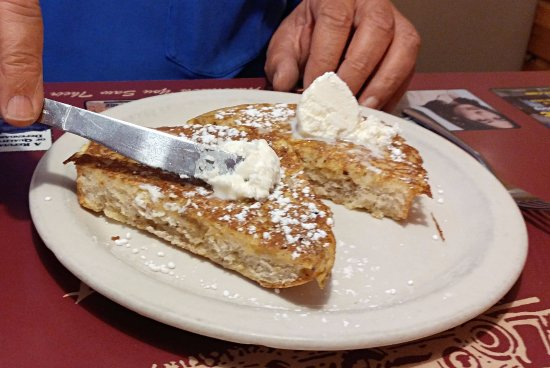 Pufferbelly Station Restaurant: Side view of French toast