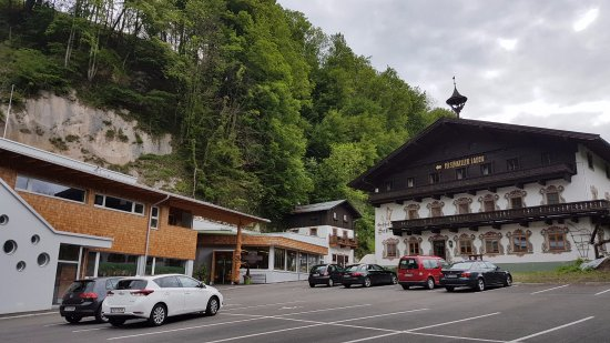 Niederndorf, Austria: Aus dem Gasthof wurde eine Käse Attraktion