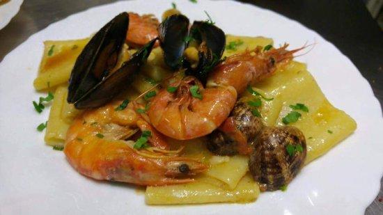 Nusco, Ιταλία: La fenice su prenotazione pesce