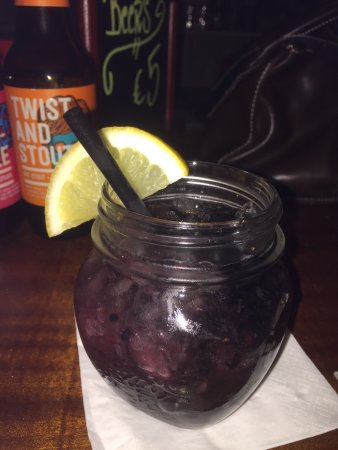 Charly's Gin & Cocktail bar : photo1.jpg