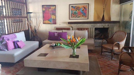 San Juan Cosala, Mexico: Esta es la sala de Las Palomas B&B con una excelente decoración.