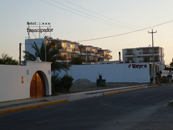 Hotel Emancipador: Street View
