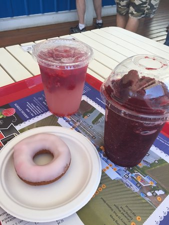 Langley City, Kanada: Berry goodies