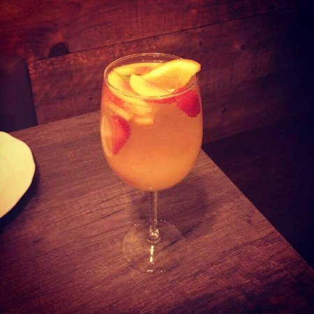 Newmarket, Canadá: white sangria
