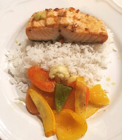 Newmarket, Canada: salmon with rice and veggies