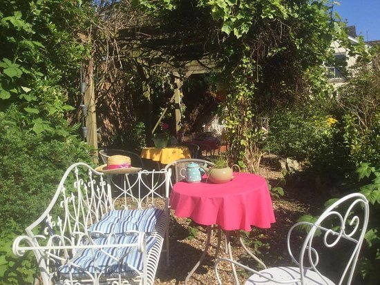 Веллингтон, UK: Come try our organic garden produce