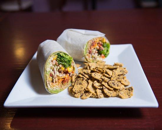 Aiken, Karolina Południowa: Our Vegetarian Rastafarian Wrap.