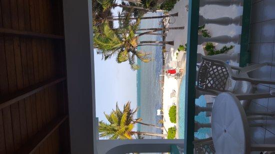 Coral Bay Villas: Nice place