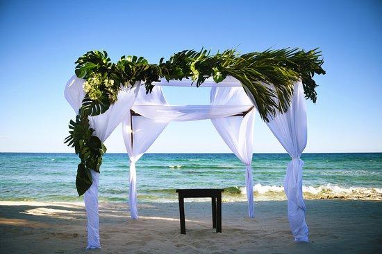 Blue Venado Beach Club Gazebo D With White Linen Palm Fronds