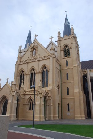 St. Mary's Cathedral: Side view