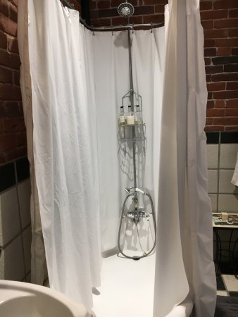 Lockeford, Californië: Frustrating shower!