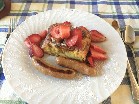 Lockeford, CA: Delicious breakfasts - no lunch needed that day!
