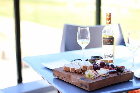 Kamloops, Kanada: The Terrace Restaurant at Monte Creek Ranch Winery