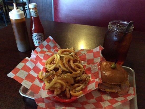 Joplin, MO: Big R's Bar-B-Q