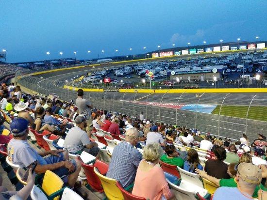 Конкорд, Северная Каролина: First lap of the race.