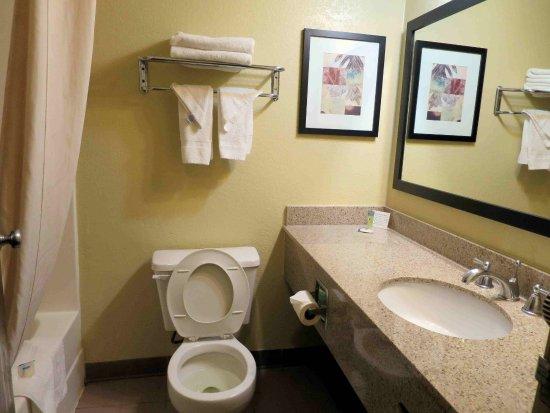 Rodeway Inn & Suites East / I-44 $40 ($̶5̶4̶) - Prices ...