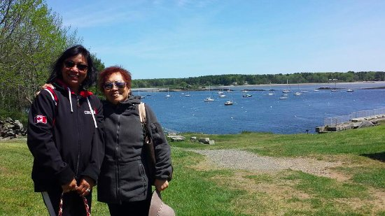 Kittery, ME: the view and background