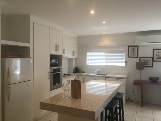 Bargara, Austrália: Our kitchens are fully self contained and well stocked