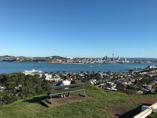 TIME Unlimited Tours: Auckland City and West Coast Full-Day Tour