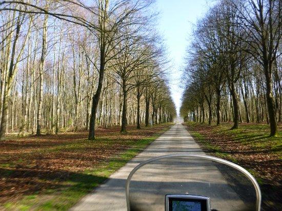Modave, Belgique : © Rando-Moto.be