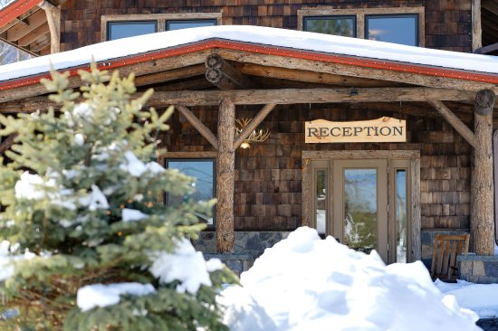 Entrance - Picture of Adirondack Spruce Lodge, Wilmington - Tripadvisor