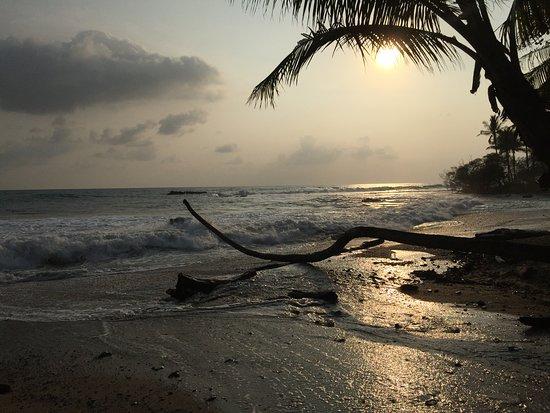 Mal Pais, Costa Rica: Basically..... a screen saver background