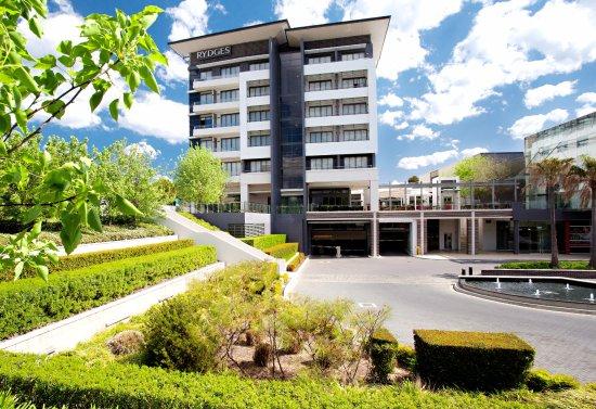 แคมป์เบลล์ทาวน์, ออสเตรเลีย: RYDGES HOTEL CAMPBELLTOWN