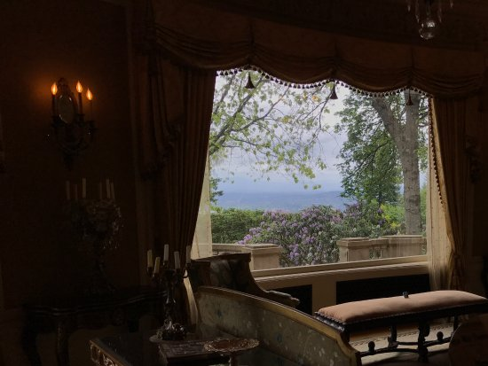 Pittock Mansion: The Outlook