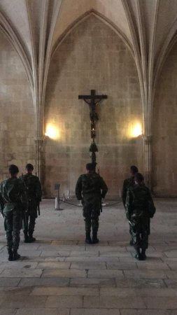 Batalha, Portekiz: Changing of the Guard at the Tomb of the Unknown Soldier killed in WWI
