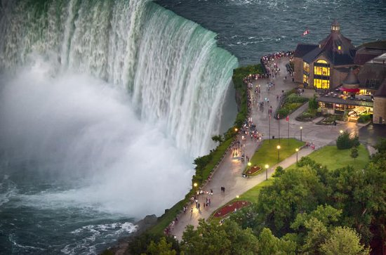 Niagara Falls Rainbow Tour with New...