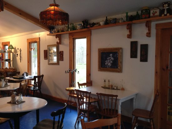 Dingwall, Canadá: This bistro is filled with quirky, vintage decor.