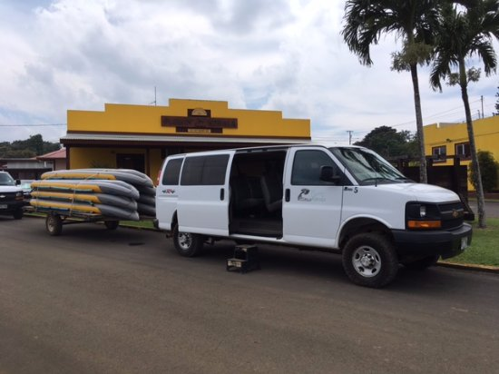 Hawi, HI: Van and Kayaks ready to go
